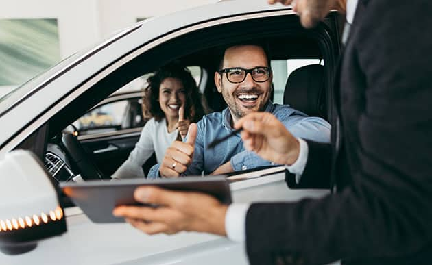 Des voitures moins chères et un budget maîtrisé