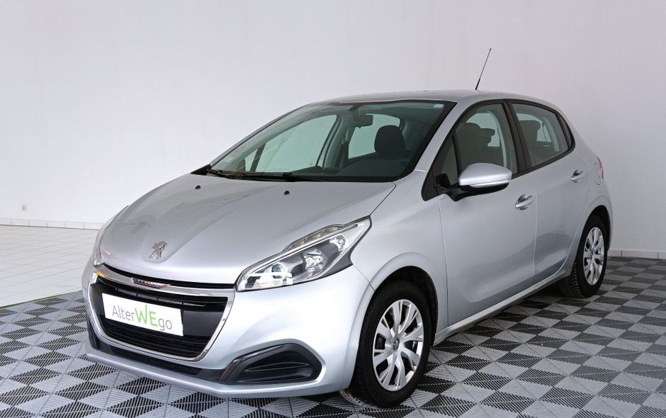 Peugeot, 208, Essence, Citadine, 269 €, 5 places