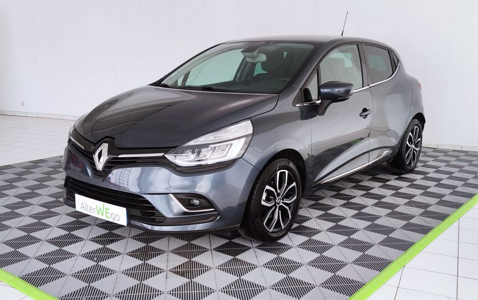 Renault, Clio IV, Essence, Citadine, 249 €, 5 places