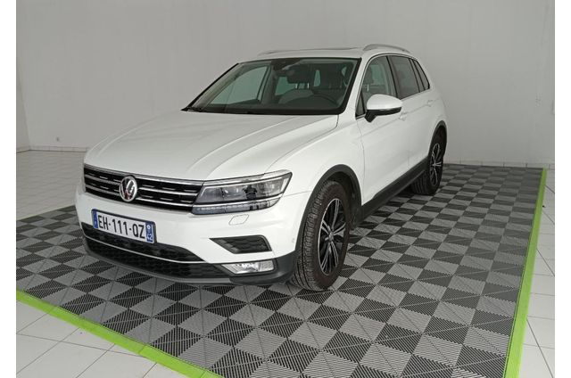 Volkswagen, Tiguan  4x2, Essence, SUV, 599 €, 5 places