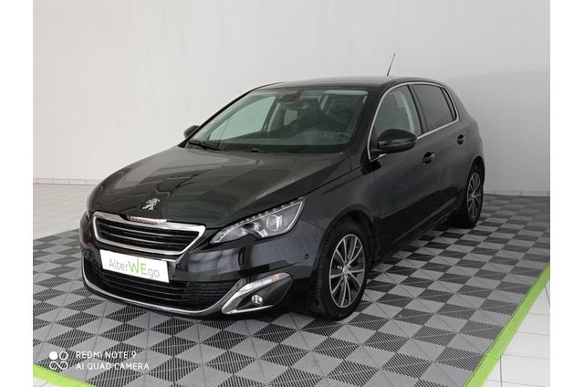 Peugeot, 308 Phase II, Essence, Compact, 369 €, 5 places