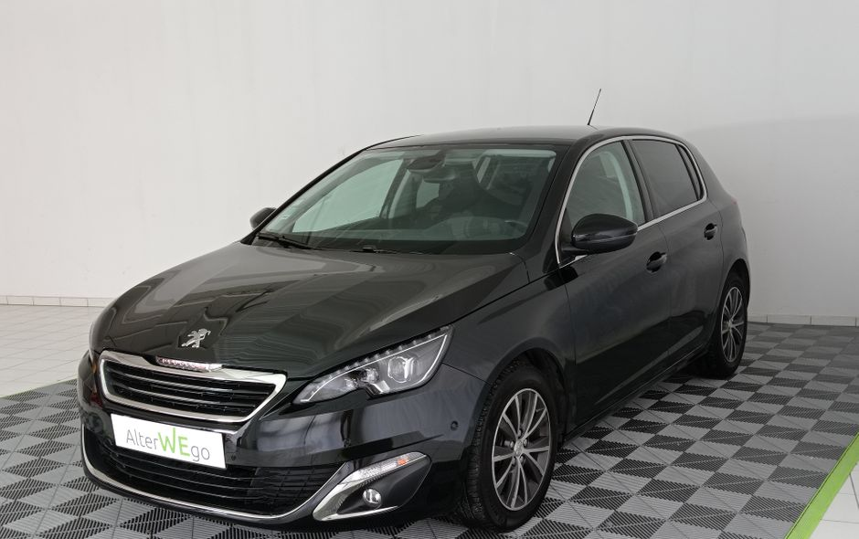 Peugeot, 308 Phase II, Diesel, Compact, 399 €, 5 places